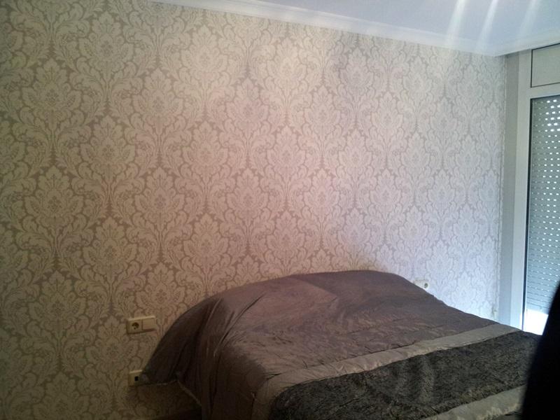 Instalaci n papel pintado en manresa empapelador barcelona for Papel pared habitacion matrimonio