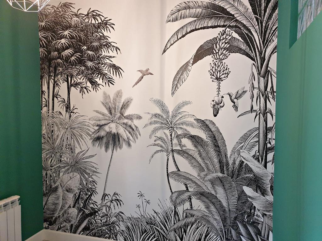 Aplicación de pinturas verde Monto Uno Plus + Instalación Mural Selvático de Papel Pintado